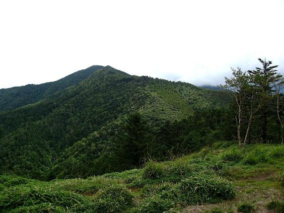 黒岳・湯ノ沢峠避難小屋方面の景色