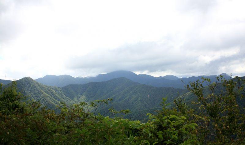 笹子雁ヶ腹摺山から富士山の絶景