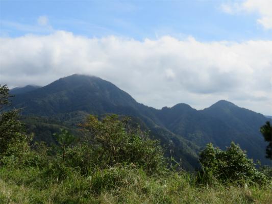 袖平山の山頂から蛭ヶ岳