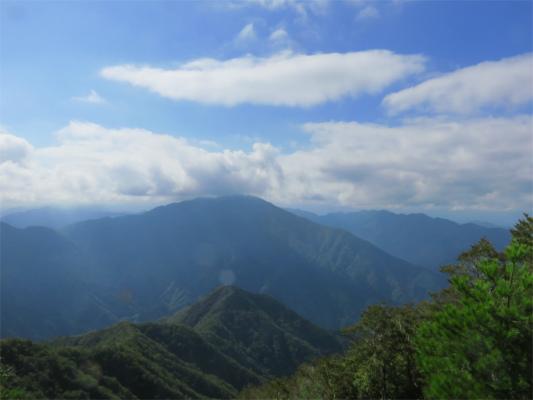風巻尾根と大室山