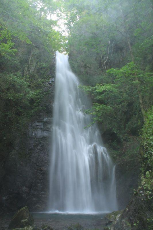 百尋ノ滝落差が40mある直瀑