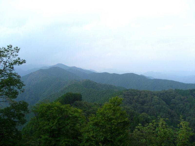岩茸石山の山頂近くからの景色