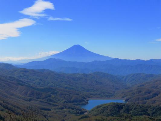 >富士山と大菩薩湖のコラボn