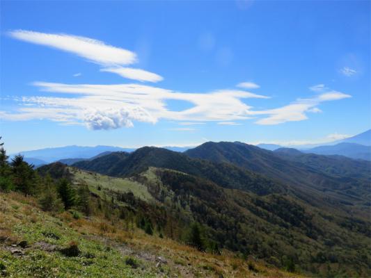大菩薩から大菩薩峠への稜線