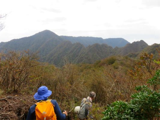 越前岳から鋸岳へ