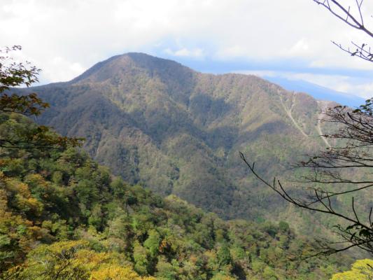 愛鷹連峰最高峰の越前岳
