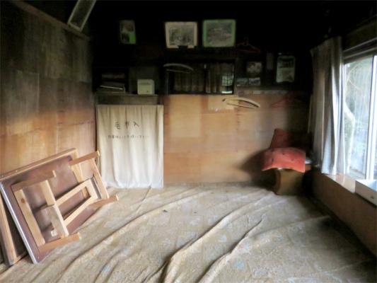 愛鷹山荘の内部