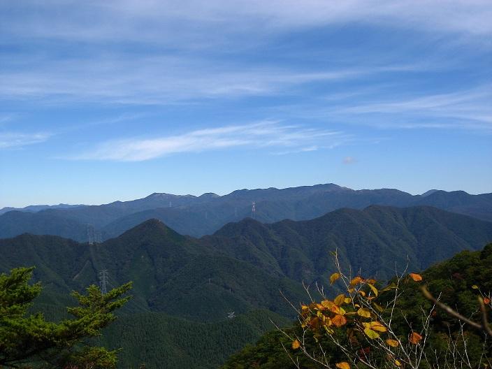 清八山・本社ヶ丸方面の山並み