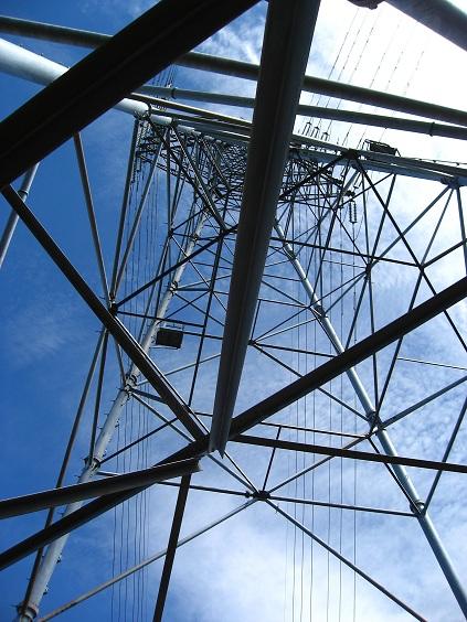 大きな鉄塔