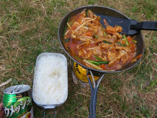 テント場での調理の様子