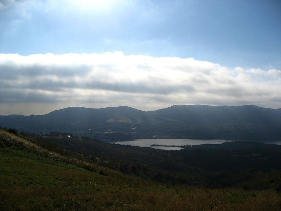 石割山方面から見る山中湖