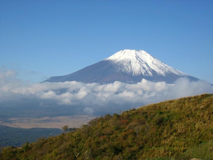 石割山の稜線