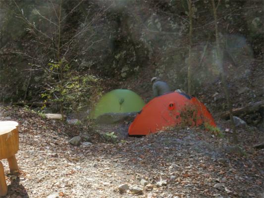 三条の湯のテント場幕営