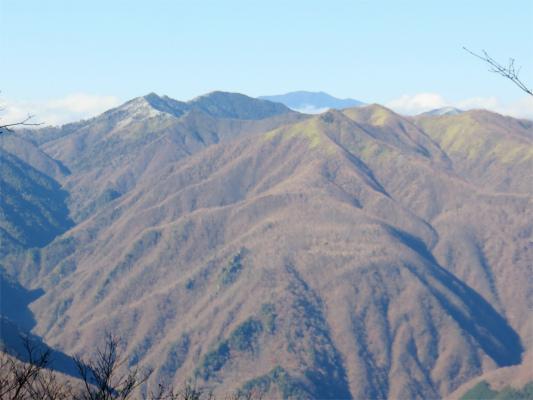 和名倉山と唐松尾山方面
