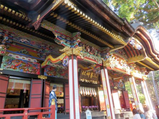 三峯神社で参拝