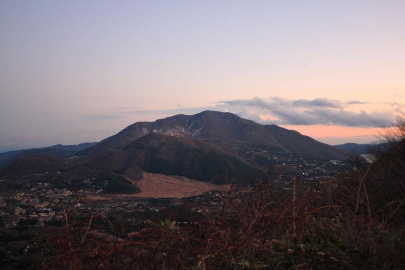 長尾山から神山の景色
