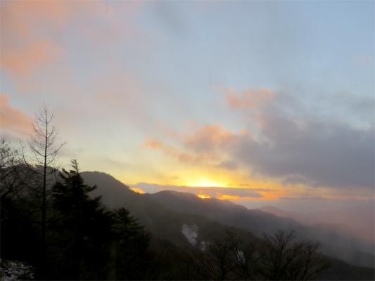 笠取山からのご来光