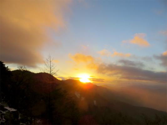 笠取山からバッチリとご来光