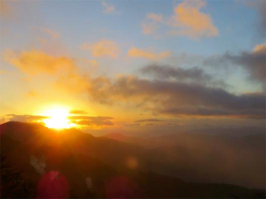 笠取山から日の出