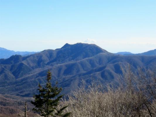 黒川鶏冠山景色