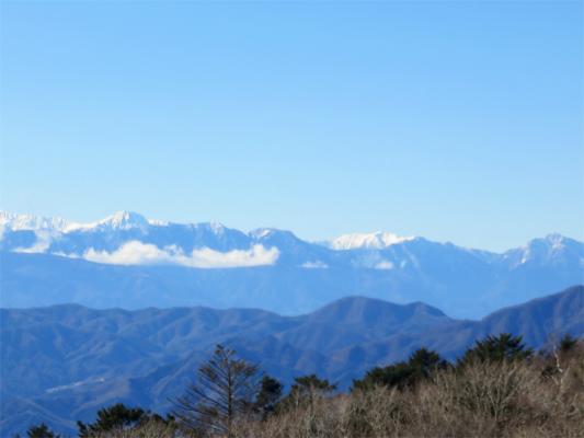 三窪高原からの南アルプスの景色
