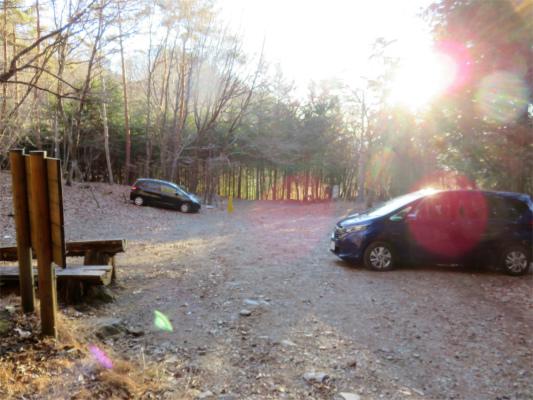裂石の駐車場