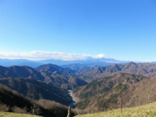 丹沢主脈縦走路からの景色