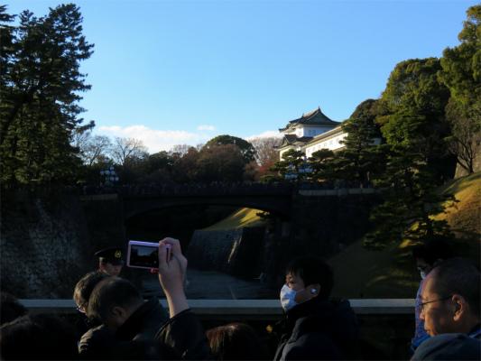 正面に皇居二重橋
