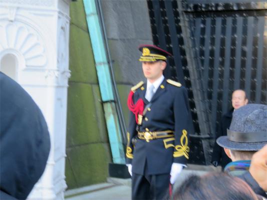 皇宮警察の衛兵が警護