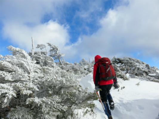 雪景色には青空