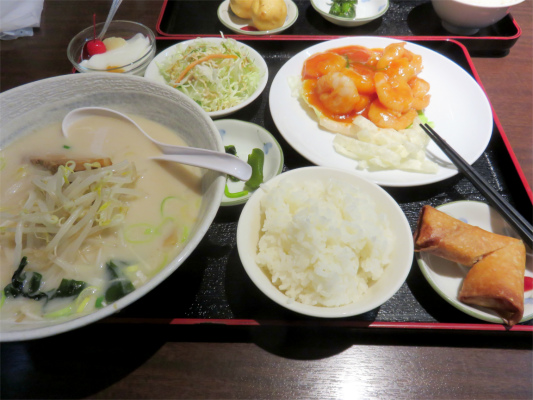 台湾料理エビチリ定食の値段は、1,080円