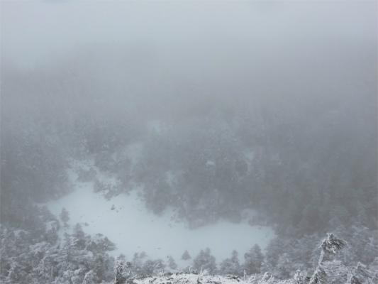 北横岳火口(血の池)