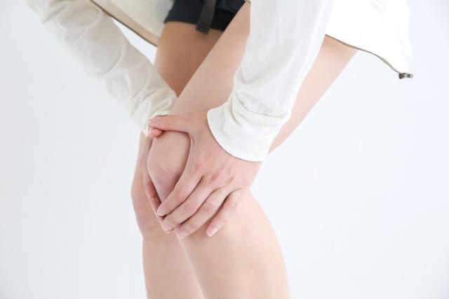 関節痛に悩む女性