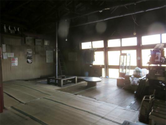 奥多摩小屋の内部の様子