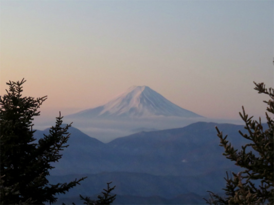大菩薩嶺と富士山