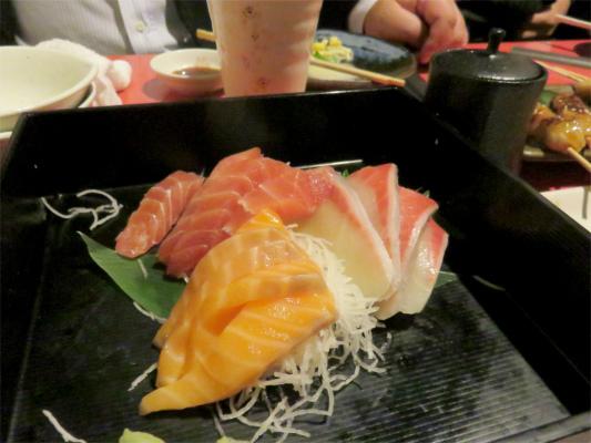桜坂・鶏居酒料理刺身