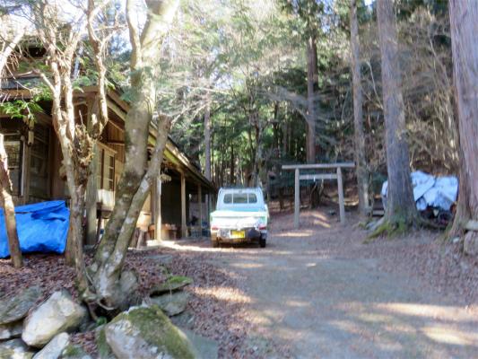 山林事務所の全景
