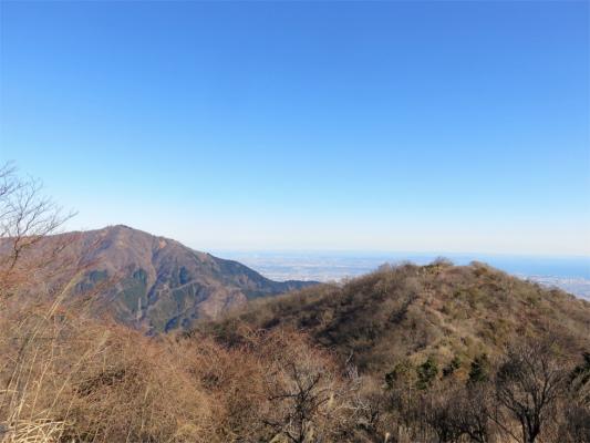 二ノ塔と左に大山