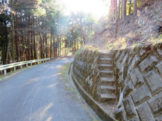 二ノ塔尾根の登山口