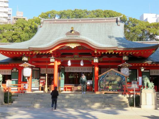 生田神社参拝者がチラホラ