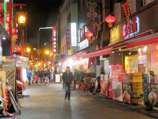 で神戸南京町をブラブラしながら食べ歩き
