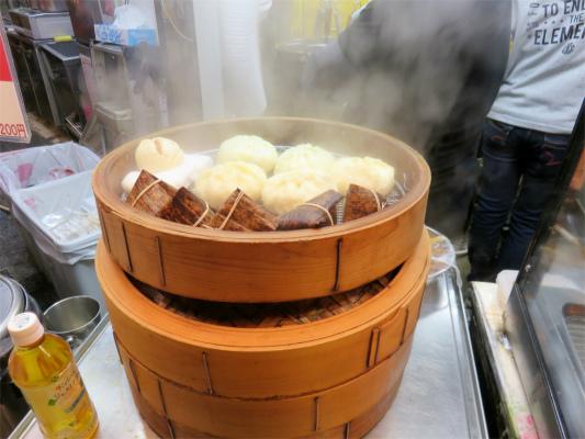肉まんと中華チマキの蒸篭