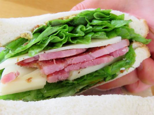 男のサンドイッチ