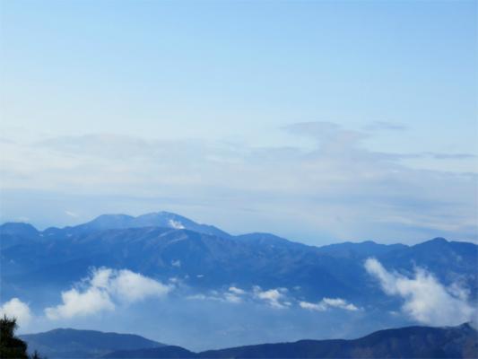 大倉尾根から見る箱根の山並み