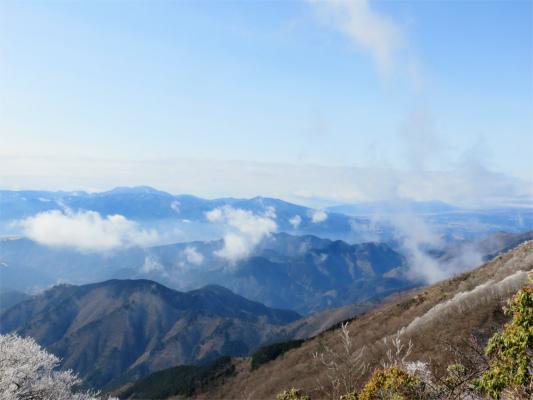 丹沢雲が湧いてきた