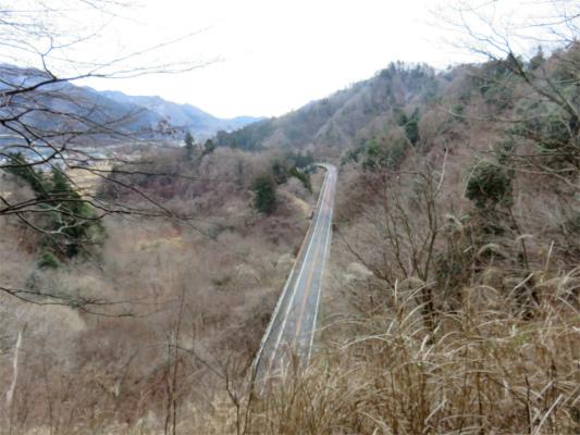 春ノ木丸ハイキングコースを使って宮ヶ瀬湖へ下山
