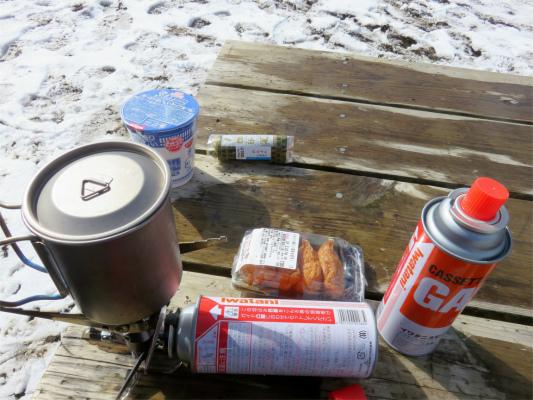 登山・テント泊で肉料理調理風景