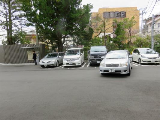 報徳二宮神社の駐車場