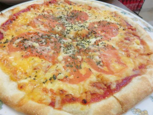 マルゲリータピザが運ばれてきた