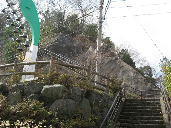 大野山からモリモリ歩くと丹沢湖畔